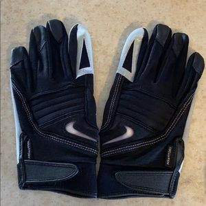Men's Nike football gloves